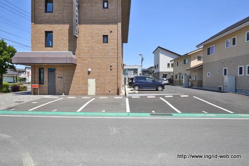 ♠ブリックビル駐車場8